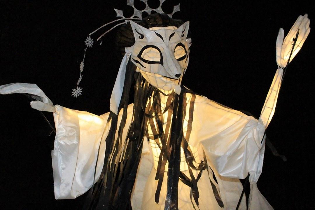 Lumen 2018 lantern puppet