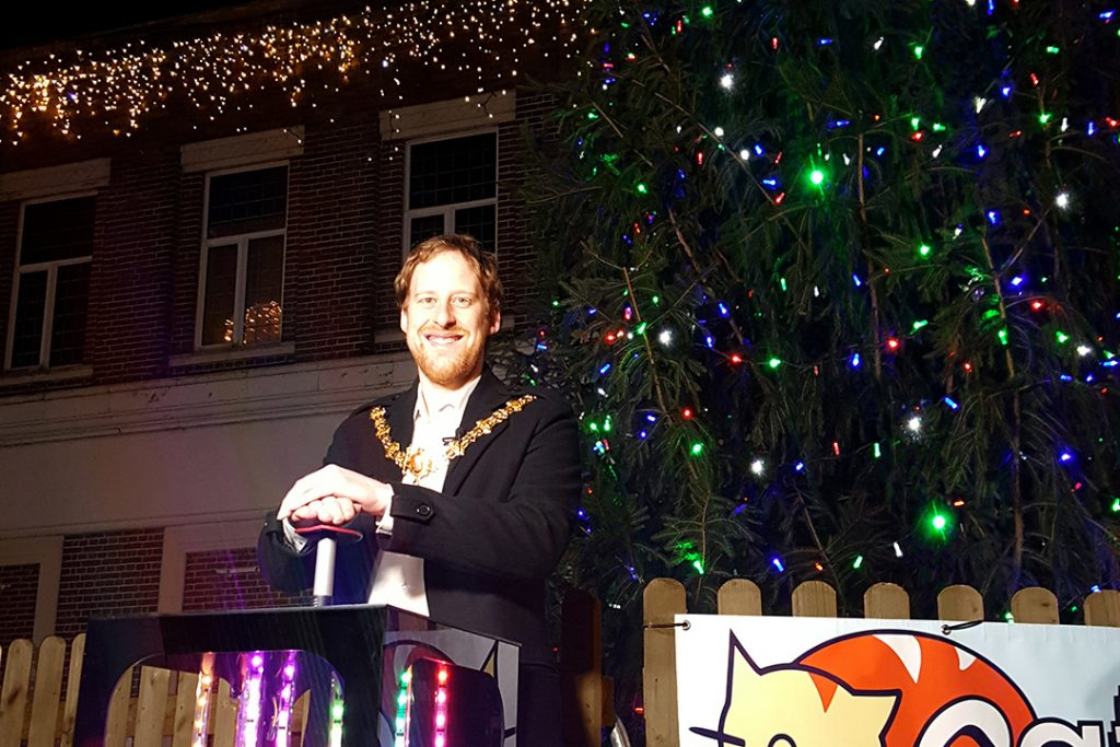 Crewe Mayor turns on Christmas lights